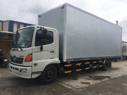giá xe tải hino 5 tấn thùng chở palet tại quảng ninh