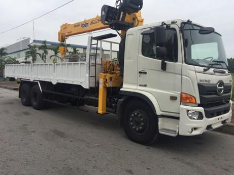 giá xe tải hino 15 tấn gắn cẩu 8 tấn soosan