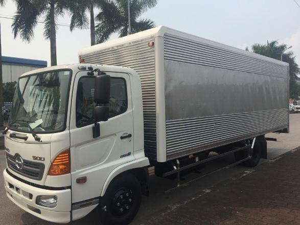 xe tải Hino 5 tấn thùng kín